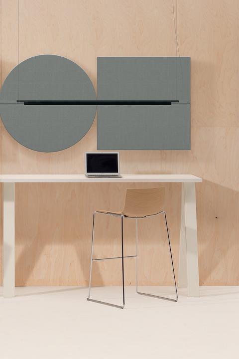 שולחן משרדי כיסא בר