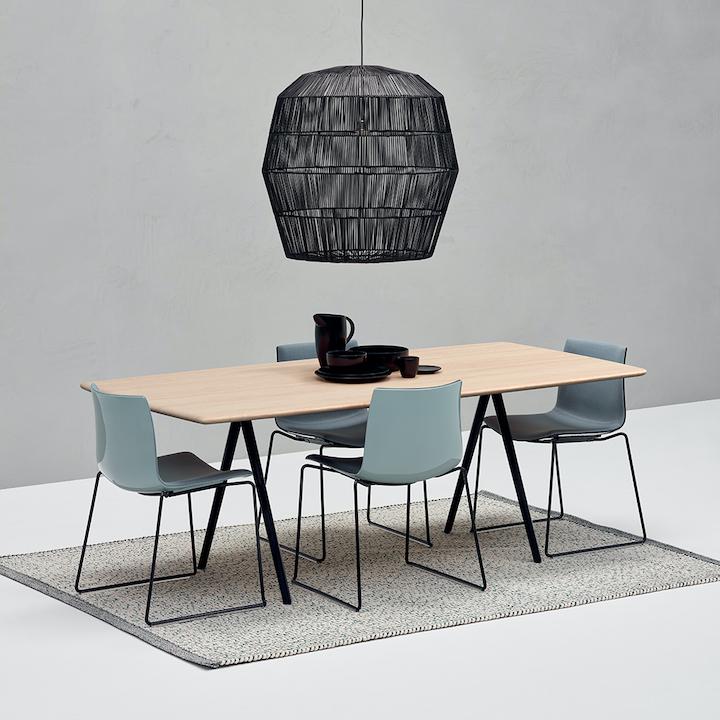 שולחן ישיבות כיסא רב שימושי