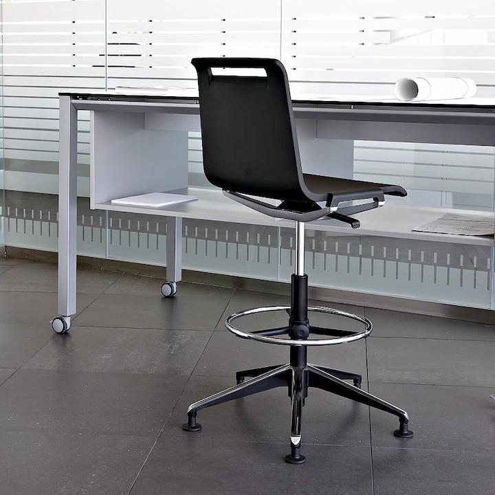 כיסא רב שימושי